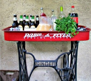 I Love Pinterest My Red Wagon And An Old Sewing Machine