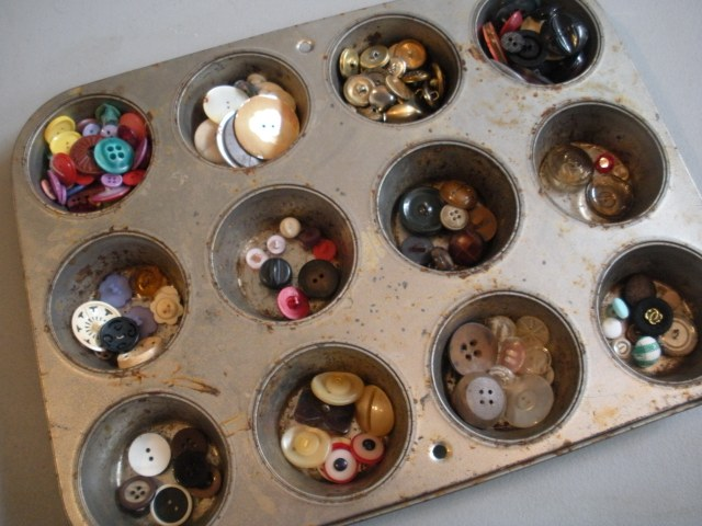Using muffin tins to sort